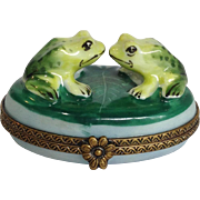 Limoges Frogs in Love on Lily Pad Trinket Box by Chamart