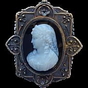 Hardstone Cameo Brooch or Pendant 18 Karat Antique