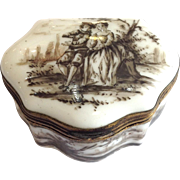 Porcelain Patch Box With Couple Early 19th C.