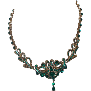 Singed Hollycraft Necklace in Emerald Green Rhinestones