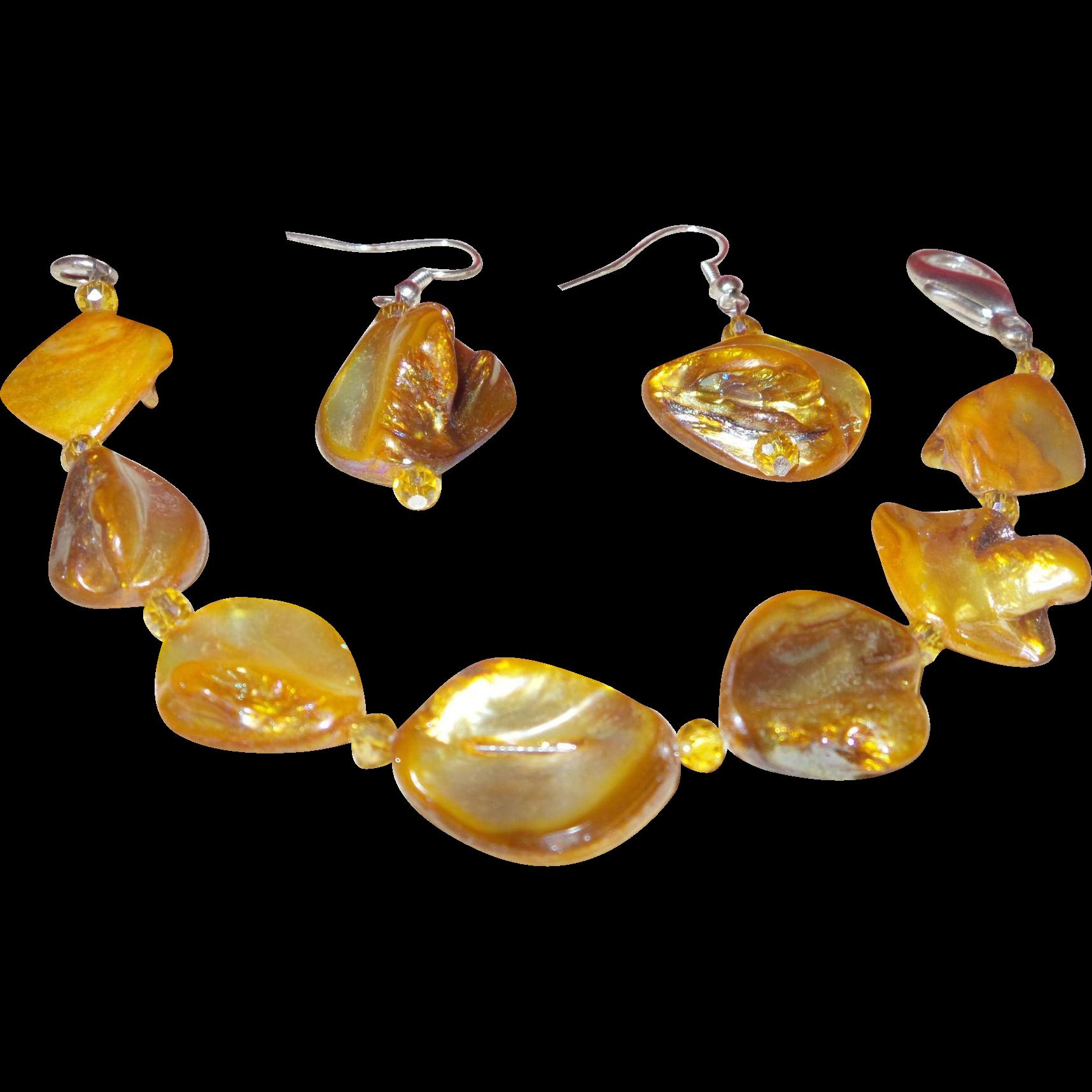Artisan Earrings : Artisan dyed abalone shell bracelet with earrings from