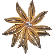 Unsigned Gerry's Christmas Gold Tone Poinsettia Brooch