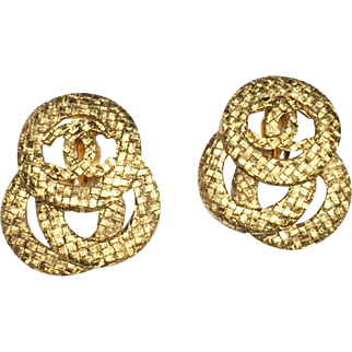 Authentic Chanel 1991 Vintage Gold Plate CC Camellia Clip Earrings