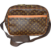 Authentic Louis Vuitton vintage Monogram Reporter GM shoulder messenger bag
