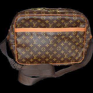 Authentic Louis Vuitton vintage Monogram Reporter GM shoulder messenger bag
