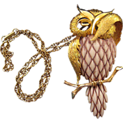 Razza 'Bashful Owl' Resin and Goldtone Pendant Necklace