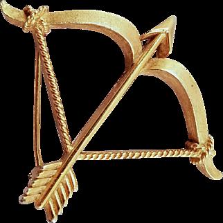 Vintage Trifari Goldtone Cupid's Bow and Arrow Pin