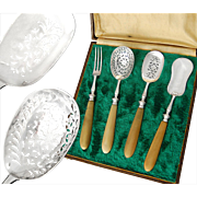 Boxed French Sterling Silver & Horn 4pc Hors d'Oeuvre Set