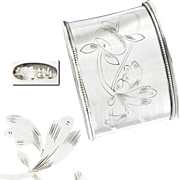 Russian Silver Napkin Ring with Floral Engravings - Ca.1915