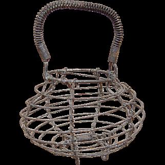 Kitchen Primitive Wire Ware Egg Basket
