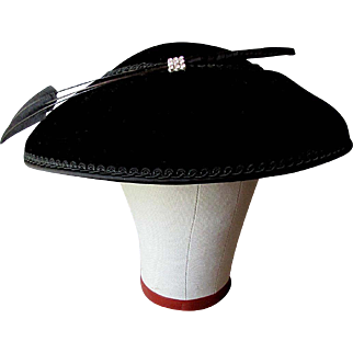 Beautiful VINTAGE Black Velvet  1940's - 1950's  LADY'S HAT with Rhinestone Clip & Feathers