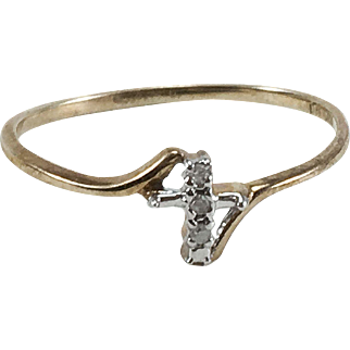 10K Yellow & white Gold Cross Ring with Diamonds Size 9