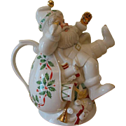 Lenox Holiday Santa Collection Teapot and Lid