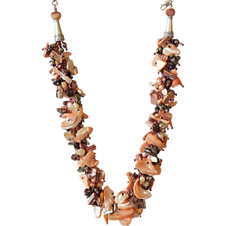 Mother of Pearl, Freshwater cultured Pearls and Garnet Necklace
