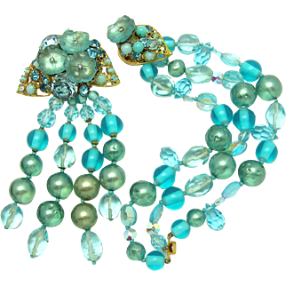 DE MARIO OF NY Set Dangle Brooch and Bracelet Frosted Flowers Rhinestones Beads