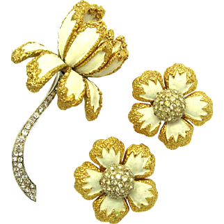 JOMAZ Floral Dimensional Set Brooch Earrings Enamel and Rhinestones Lovely!