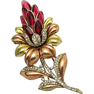 TRIFARI A. Philippe Yellow and Rose Gold Plate Rhinestones Lotus Flower Fur Clip