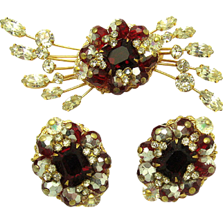 HATTIE CARNEGIE Set Red and Clear Crystal Rhinestones Starburst Brooch Earrings