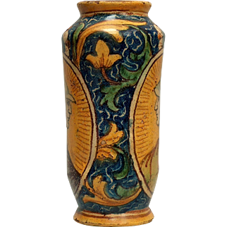 An early 17th c. South Italian majolica drug jar/albarello, probably Palermo, Sicily circa 1620