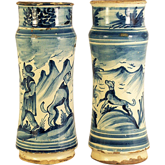 An exceptional pair of early 18th century Spanish majolica drug jars, Catalonia, Spain circa 1720
