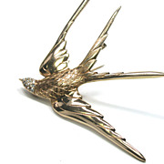14kt Gold Fork-Tailed Swallow Brooch