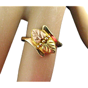 Vintage Ladies 10K Yellow and Rose Gold Leaf Ring Size 5-1/2