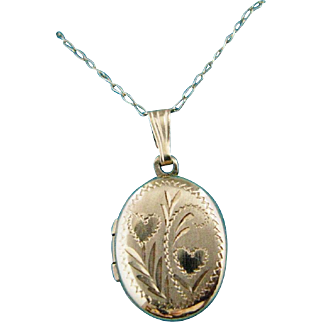 14K Gold Oval Locket Pendant on 14K Gold Chain