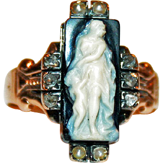 Cameo Ring Eros and Aphrodite in Hardstone, 14kt Gold, Diamond, Pearls c1860