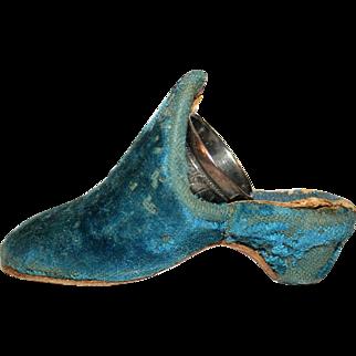 Velvet Shoe Form Thimble Case c1840 with SP Thimble