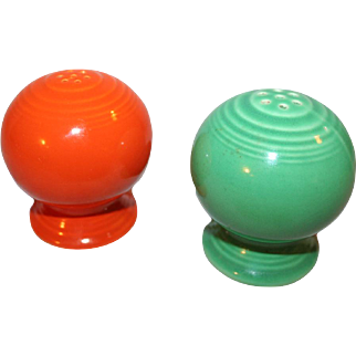 Vintage Fiesta Ware Salt and Pepper Shakers in old Red, Green Mid-20thC