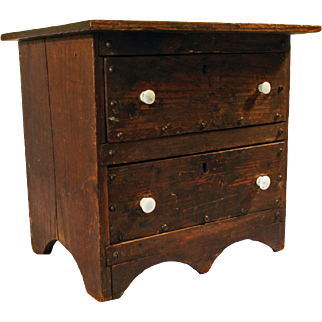 Arts & Crafts Era Oak Chest of Drawers for a Doll c1900