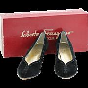 """Salvatore Ferragamo Vintage Womens Shoes 7 1/2 AAAA Black Suede 1 1/2"""" Heels"""