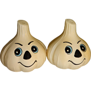 Anthropomorphic Garlic Heads Salt and Pepper Shakers