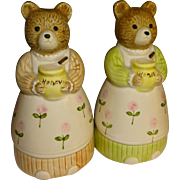 Otagiri Mama Bears with Honey Salt and Pepper Shakers