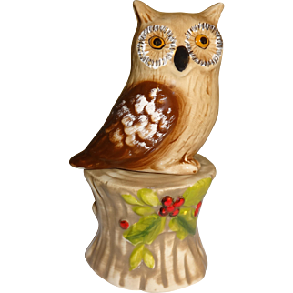 Owl on Tree Stump Salt and Pepper Shakers