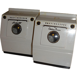 Westinghouse Washer and Dryer Salt and Pepper Shakers