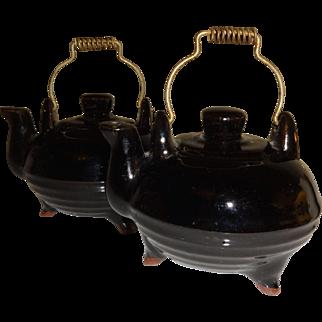 Japan Redware Black Tea Kettles Salt and Pepper Shakers