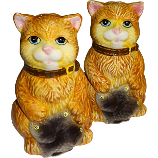 Yellow Cats with Fish Salt and Pepper Shakers