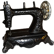 Black Metal Sewing Machine Pencil Sharpener