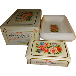 Avon Country Garden Soap Dish and Soap with Original Box