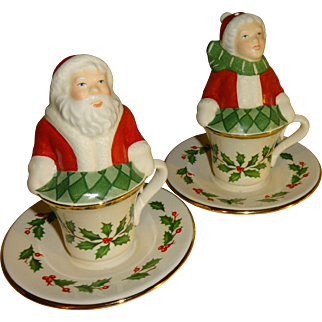Lenox Santa & Mrs Claus in Tea Cups Salt and Pepper Shakers