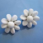 Vintage Milk Glass Flower Earrings ~ REDUCED!
