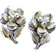 Sweet Rhinestone and Silver Tone Flowers Earrings