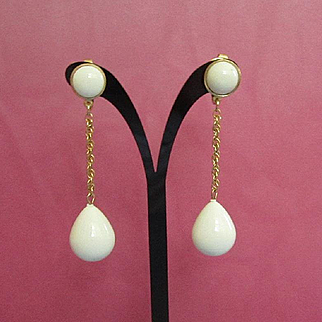 Vintage Trifari Dangling White Lucite Earrings