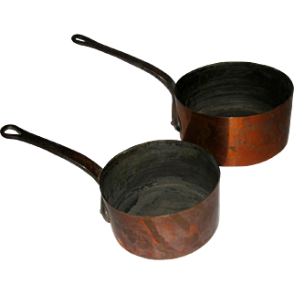 19th Century French Copper Sauce Pan Pair