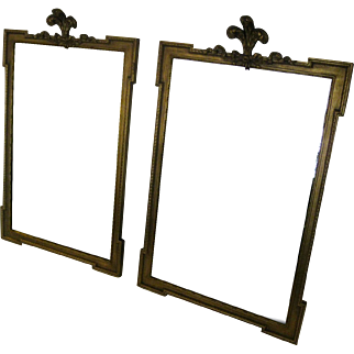 Early 20th Century Pair of Gold Giltwood Mirrors