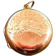 9 Karat Rose Gold B&F Photo Locket Circa 1910-25