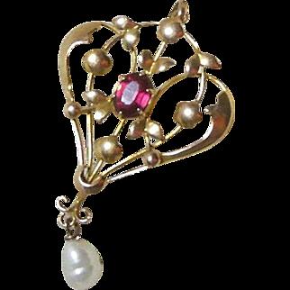 Edwardian 9 Carat Gold(375/1000) Lavalier with Gem Set Garnet and Baroque Pearl Drop circa 1901-1915