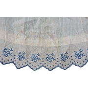Vintage cutie blue embroidered bows on white cotton trim