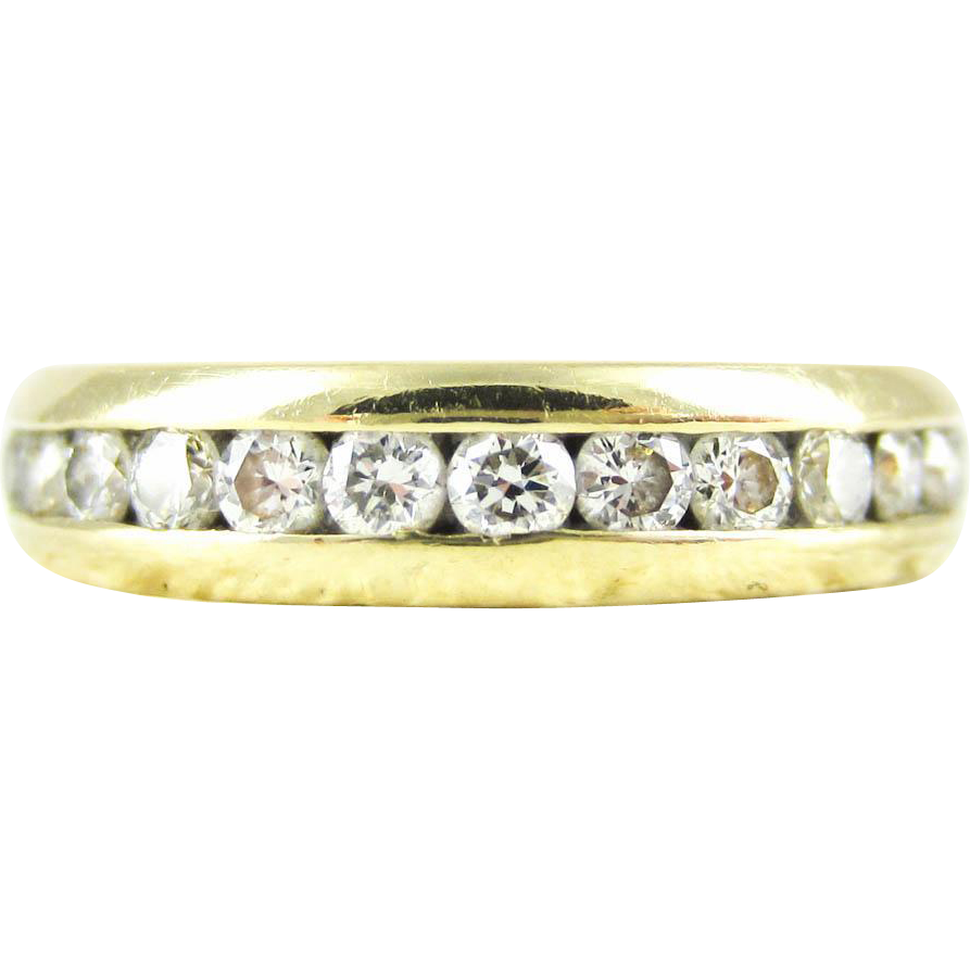 eternity ring in 18 carat yellow gold vintage